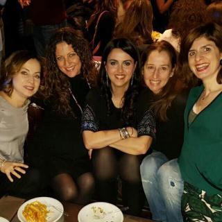 La Donna Riccia, Le Amiche